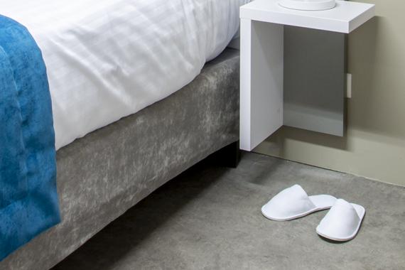Équipements et accessoires pour salle de bain de chambres d\'hôtel
